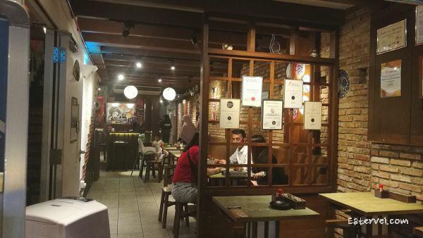 Hararu Izakaya - halal Japanese Izakaya in singapore - inside restaurant